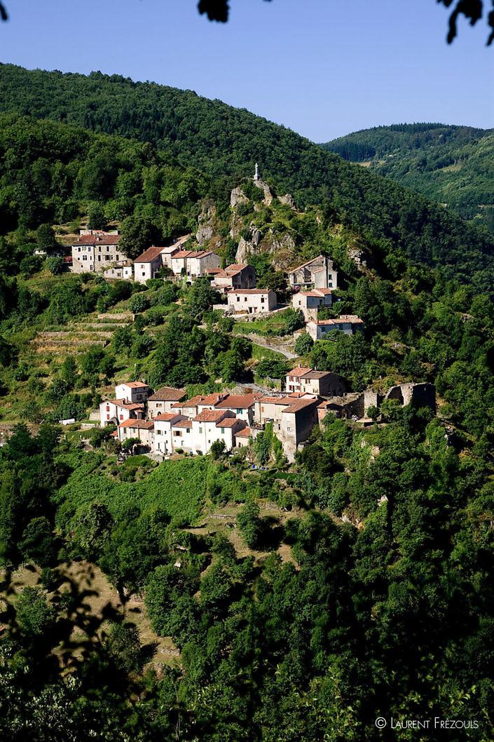 Le village d'Hautpoul sur les hauteurs de Mazamet