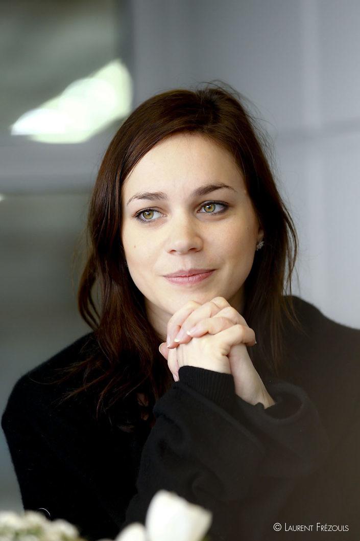 Portrait de la patineuse Nathalie Pechalat