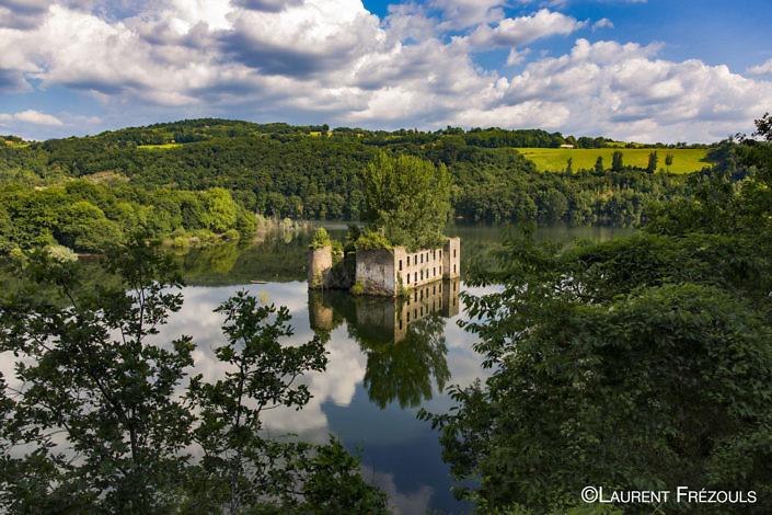 Château de Grandval au barrage de Razisse